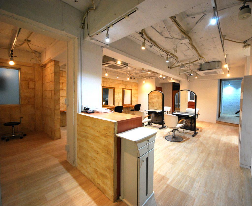 個室スタジオと、時間貸、日貸、月貸の面もあります。